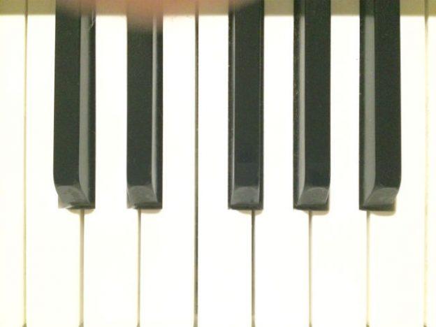 piano_6400